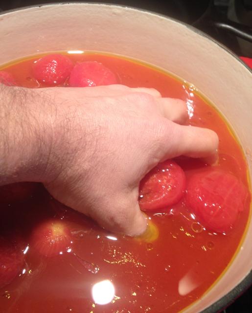 sauce_hand