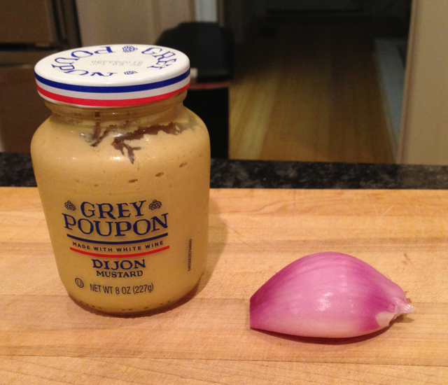 "This picture is just to give you an idea of what a ""small"" shallot is."
